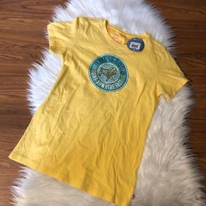 Life is Good T Shirt Yellow Going Nowhere Fast XS
